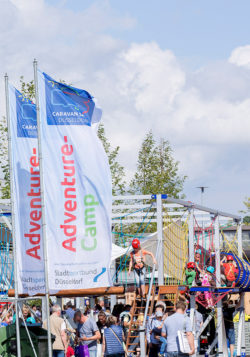 Foto: Adventure-Camp Fahnen