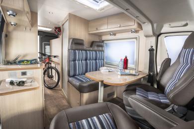 das b rstner city car caravan salon. Black Bedroom Furniture Sets. Home Design Ideas
