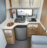 Elégance 440 CBM (Kitchen in End and Middle Bed)