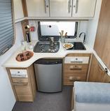 Elégance 440 CBM (Küche in End- und Mittelbett)